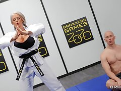 Cougar involving fat ass increased by huge tits, insane porn at the gym