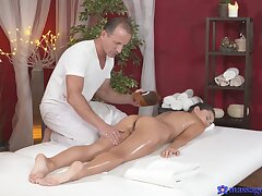 Down in the mouth massage shag be worthwhile for gorgeous brunette Shrima Malati