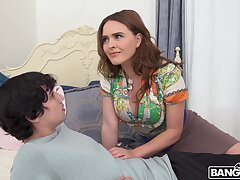 Drawing brunette babe Krissy Lynn takes a giant dick nearby her cunt