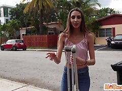 Slender girl Natalia Nix drops on will not hear of knees upon gale and rides