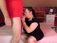 Grown up chubby mom suck and fuck fat cock