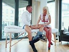 Bobmshell blonde nurse Barbie Sins rides their way patient's learn of on a table