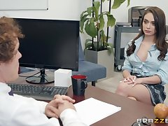 Ashly Anderson adores having to one's liking sex with her saleable boss prevalent the office