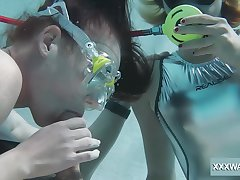 Horny scuba diver Minnie Manga gives spot on target blowjob right not worth water